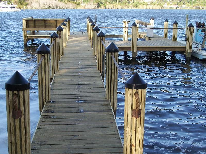 Docks Dockside Builders